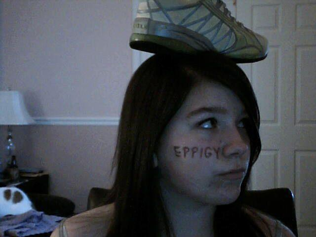 Cargirl_shoe_on_head